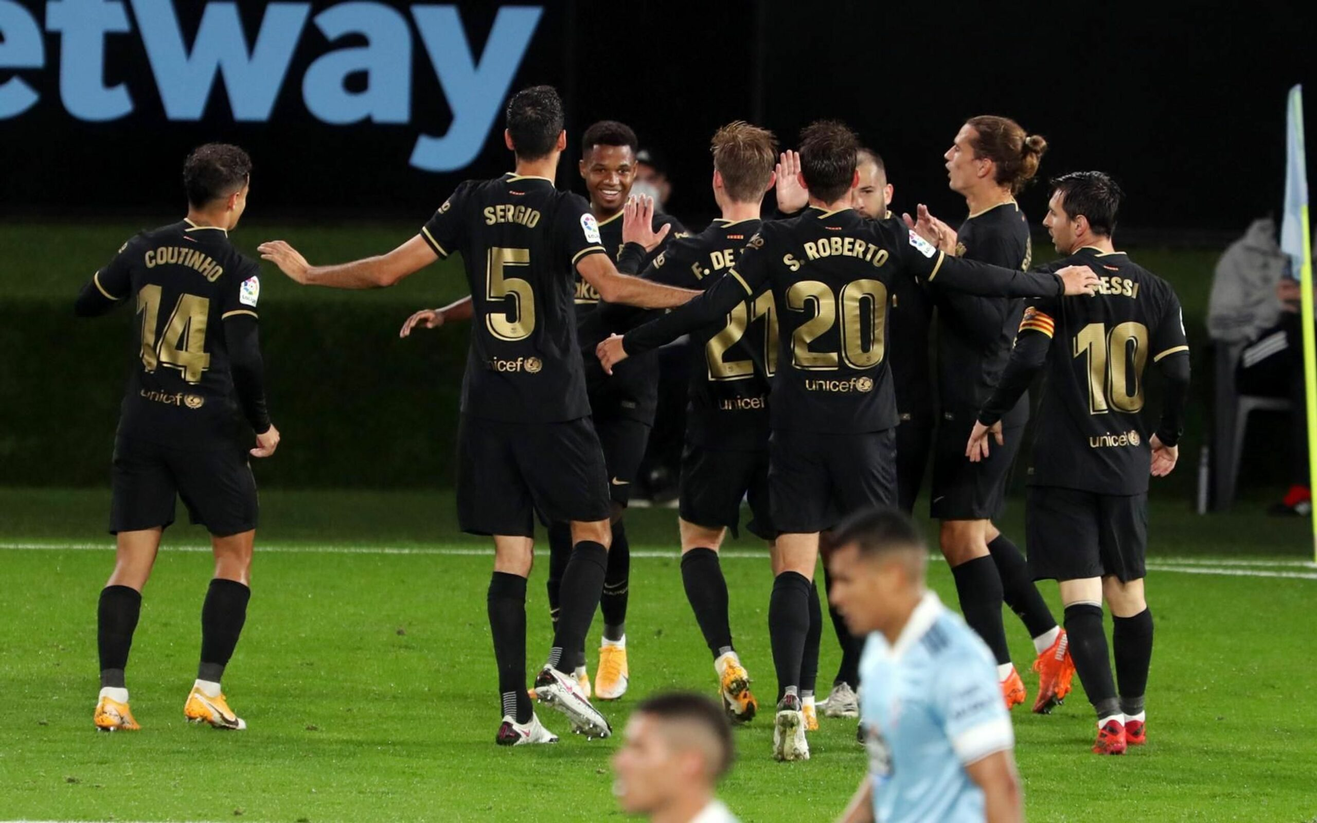 Els jugadors del Barça celebren el gol d'Ansu Fati contra el Celta a Balaídos | FC Barcelona