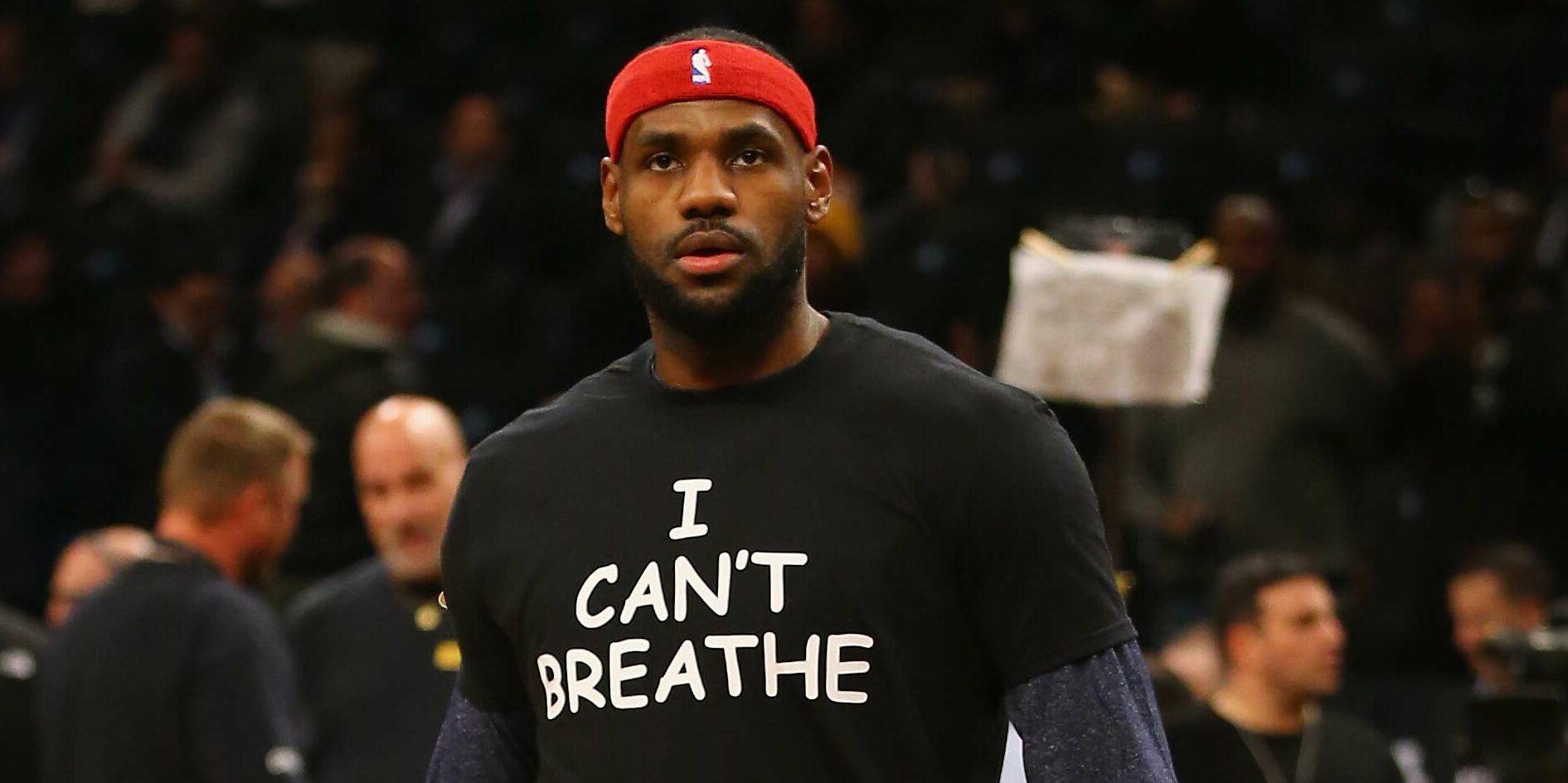 LeBron James, amb una samarreta en record a George Floyd   NBA