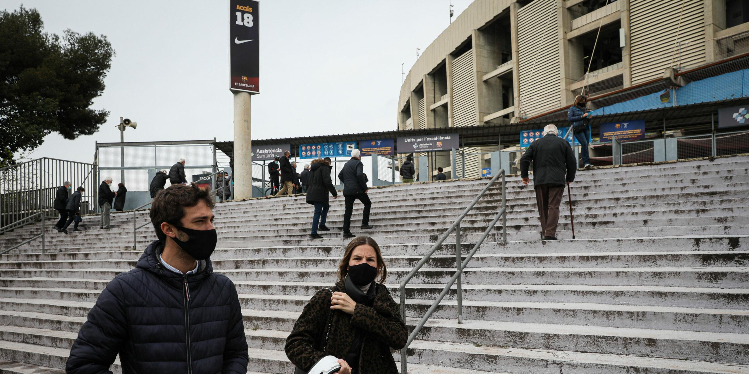 L'entrada de l'esplanada del Camp Nou   Jordi Borràs
