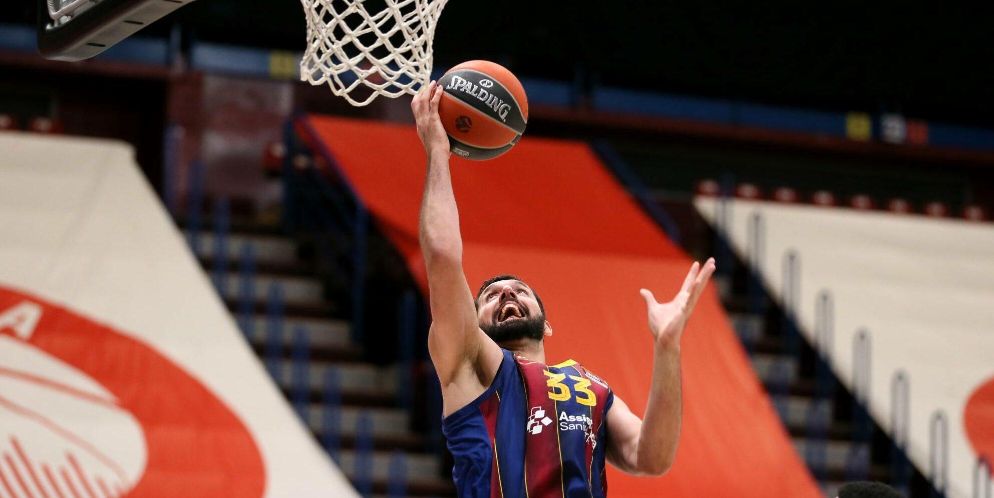 Mirotic, emtrant a cistella   FCB Basket